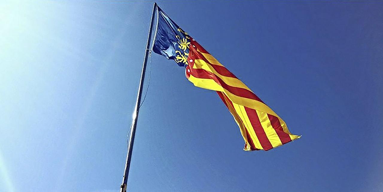 Flagge-der-Region-Valencia