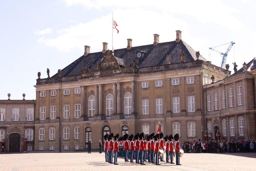 die Demokratieform in Dänemark